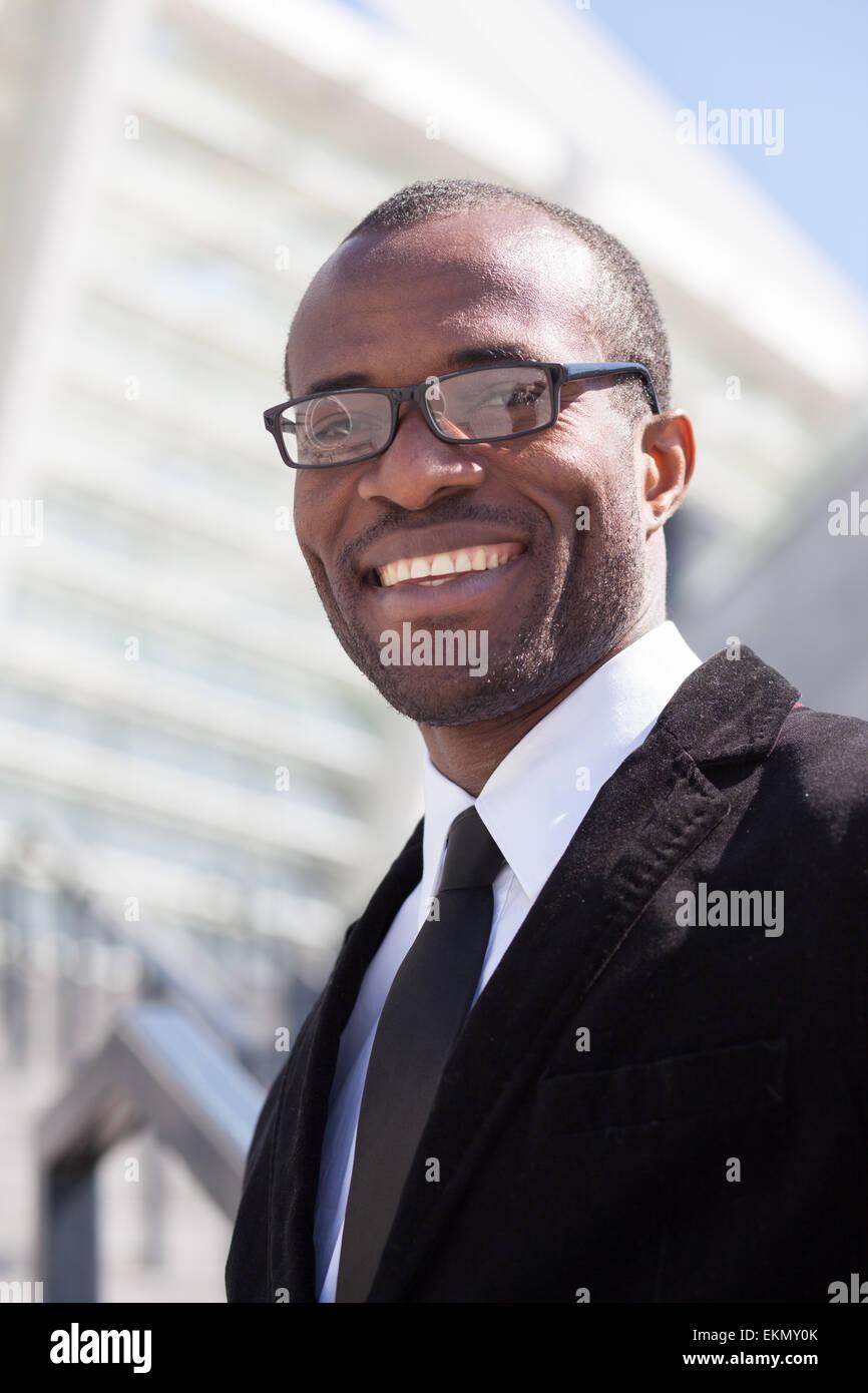 glücklich schwarze Geschäftsmann Porträt Stockbild