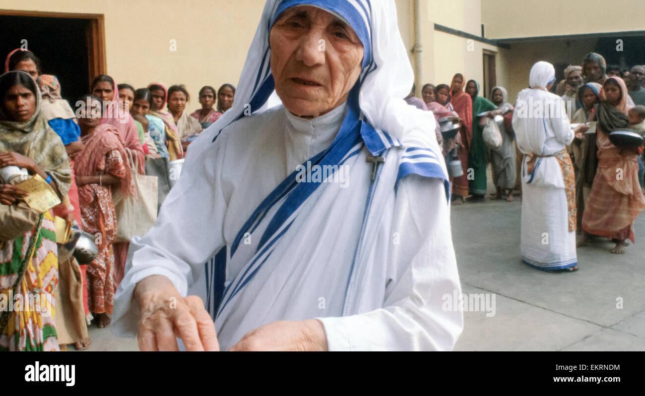 Mutter Teresa von Kalkutta (Mutter Theresa) auf ihrer Mission zur Unterstützung der armer, hungernder und leidender Stockfoto