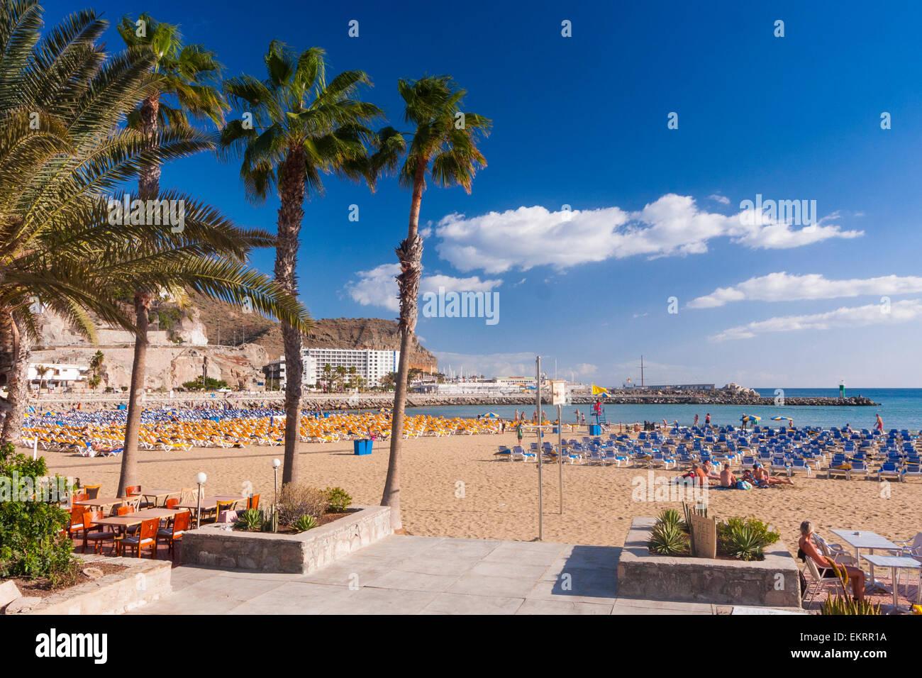 Strand von Puerto Rico im Süden von Gran Canaria Stockbild
