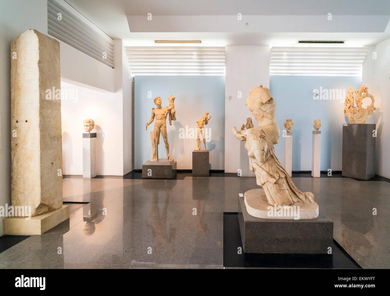 Marmor-Skulpturen und Statuen, Aphrodisias Museum Interieur ...