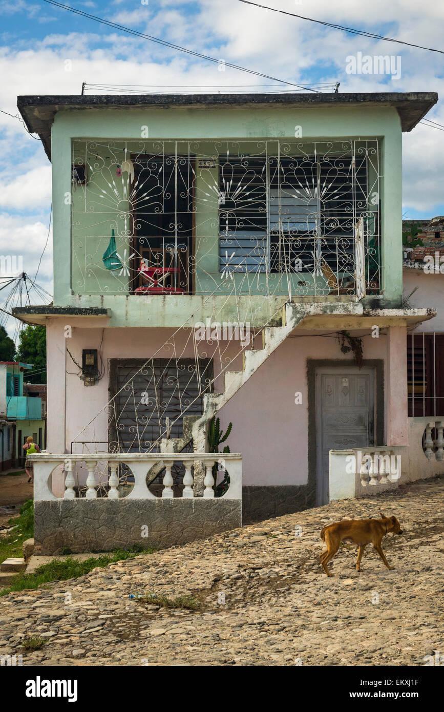 Kuba Trinidad Plaza Santa Ana Kopfstein gepflasterten Straßenszene ...