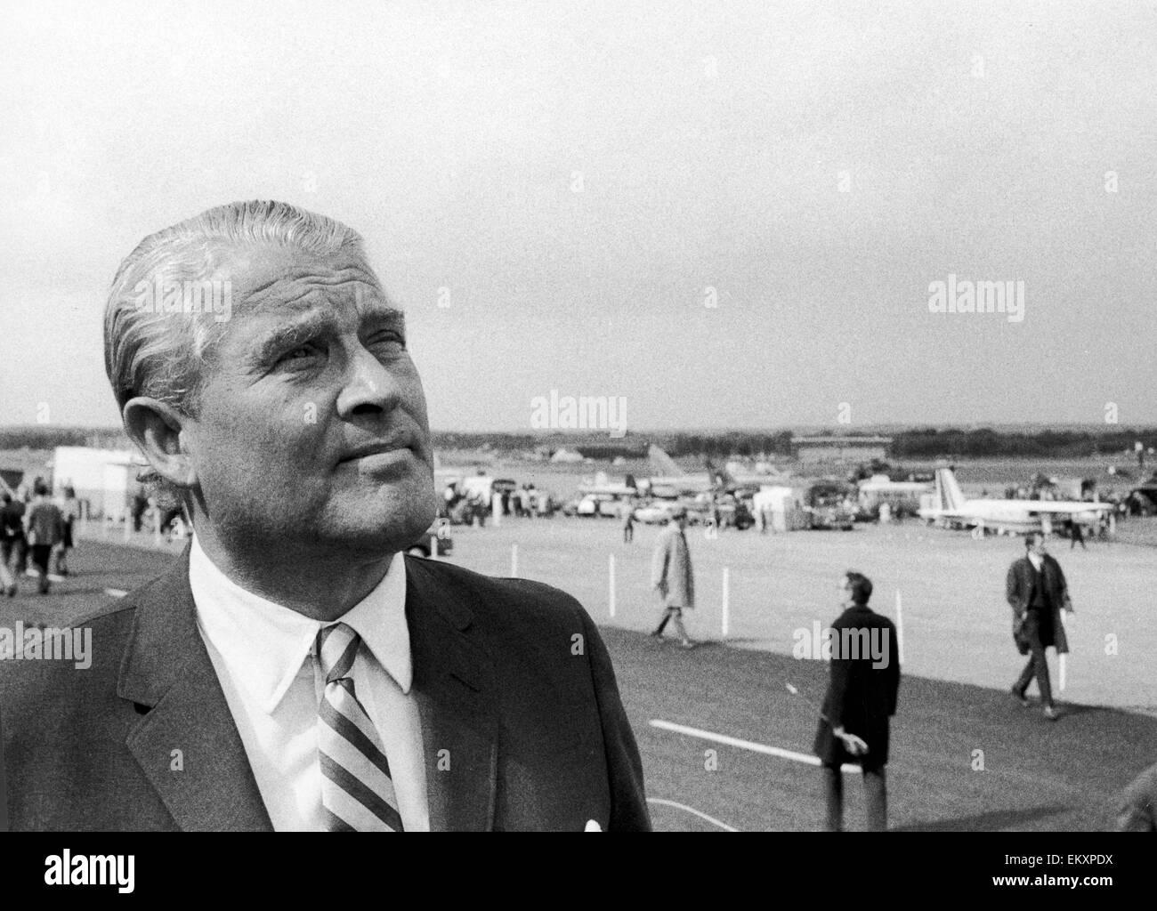Wernher Von Braun die ehemalige deutsche Raketenwissenschaftler, die mit der Erfindung der V2-Rakete verwendet, Stockfoto