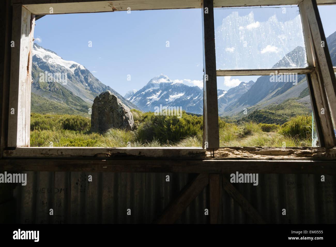 Old dilapidated building interior view stockfotos old for Fenster immer im vordergrund