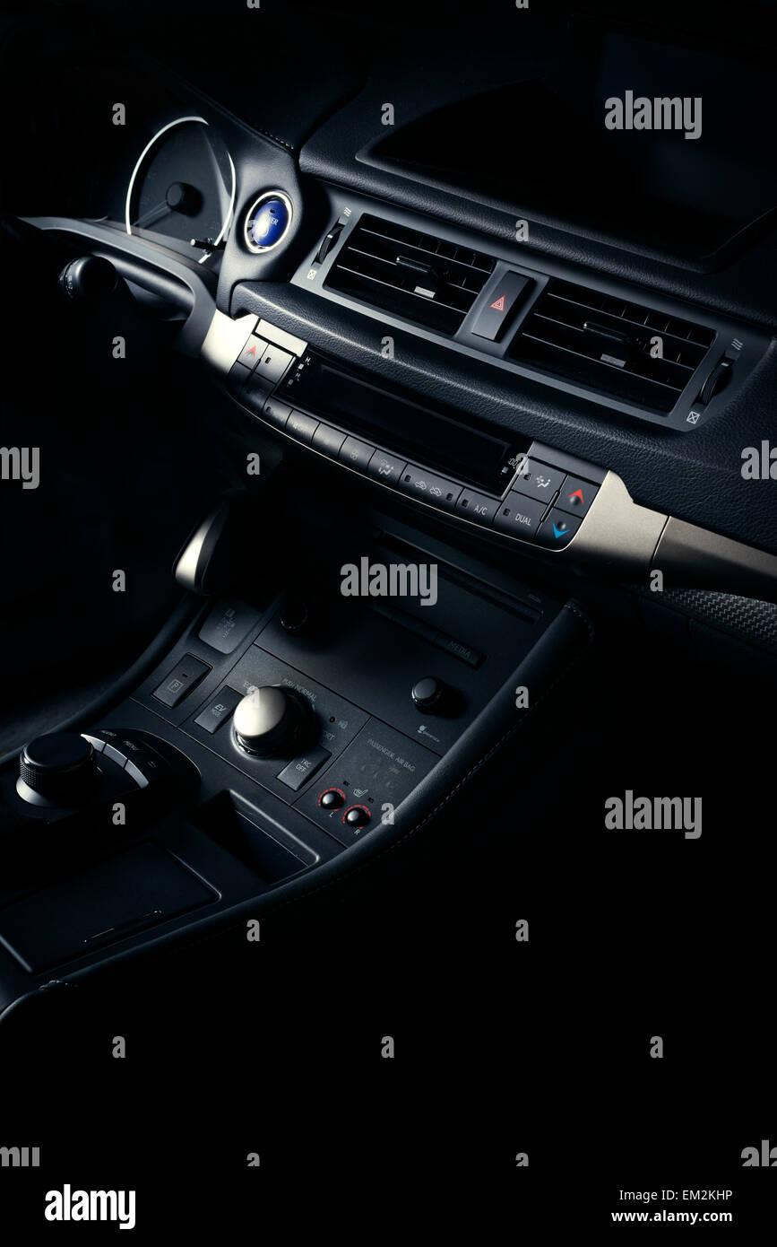 Fein Auto Innenraum Diagramm Bilder - Schaltplan Serie Circuit ...