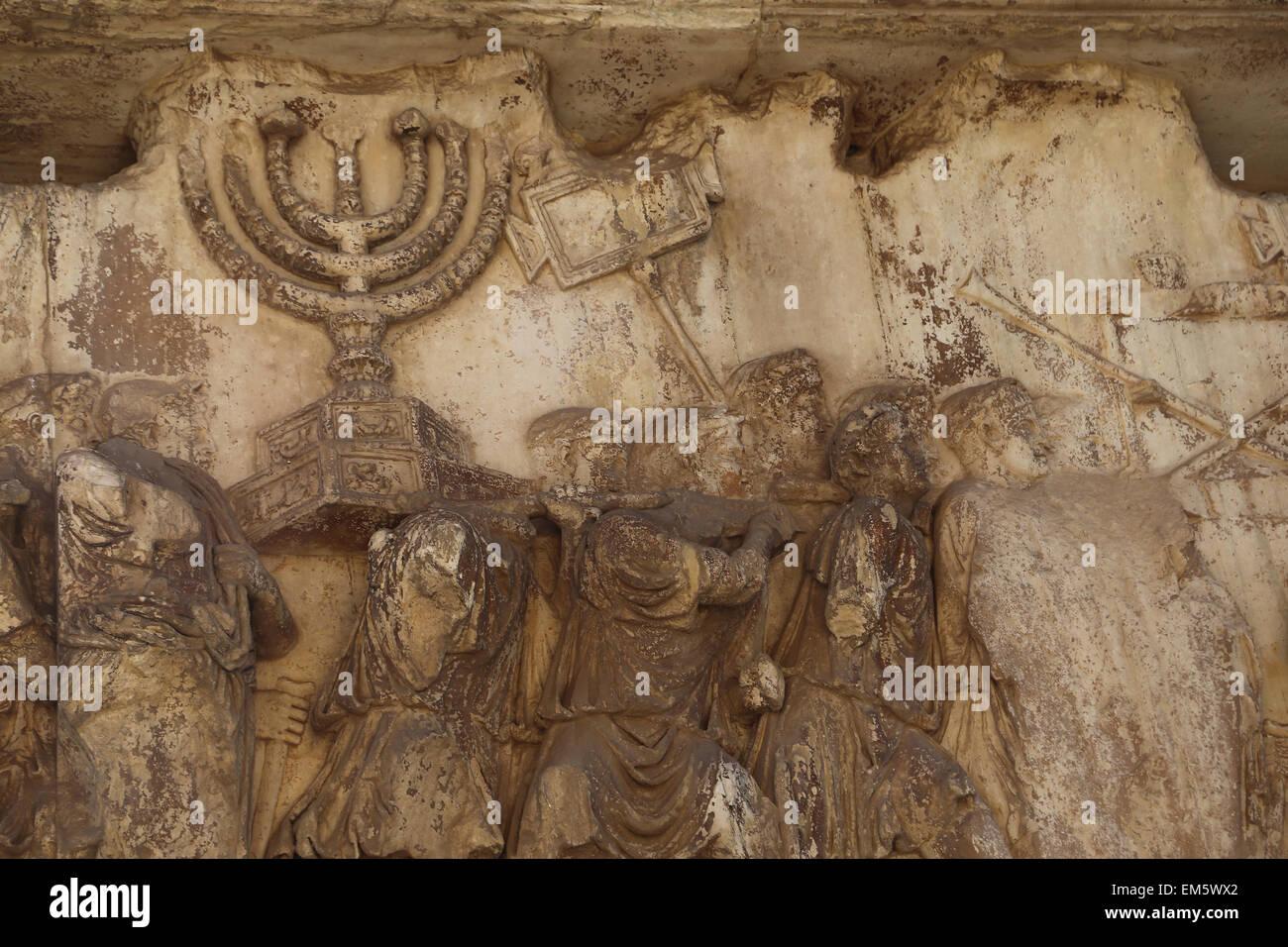 Italien. Rom. Bogen von Titus. 82 n. Chr. von Kaiser Domitian Titus Siege Gedenken errichtet. Verwöhnen von Stockbild
