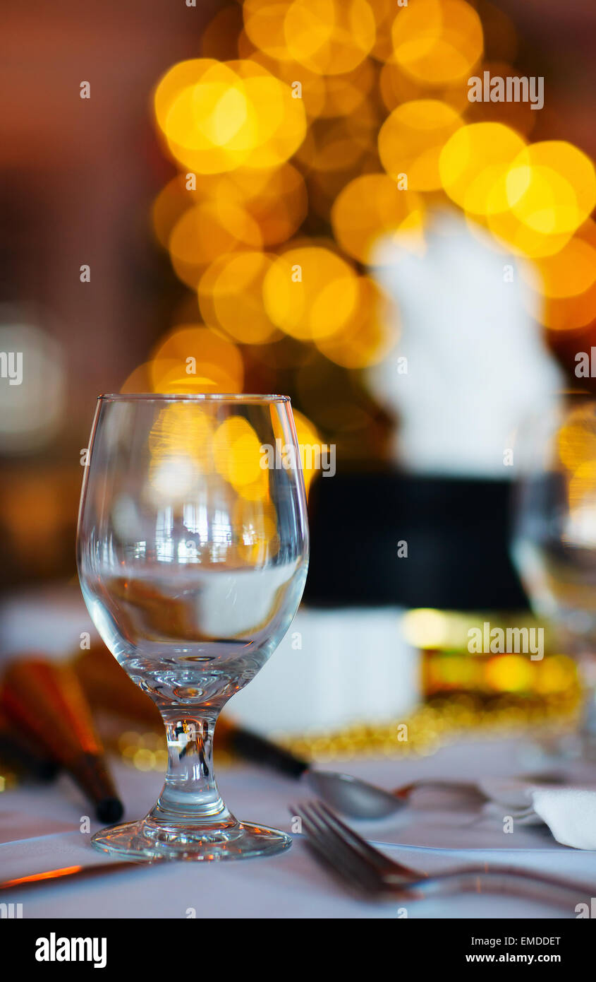 Tischdekoration für Weihnachtsfeier Stockbild
