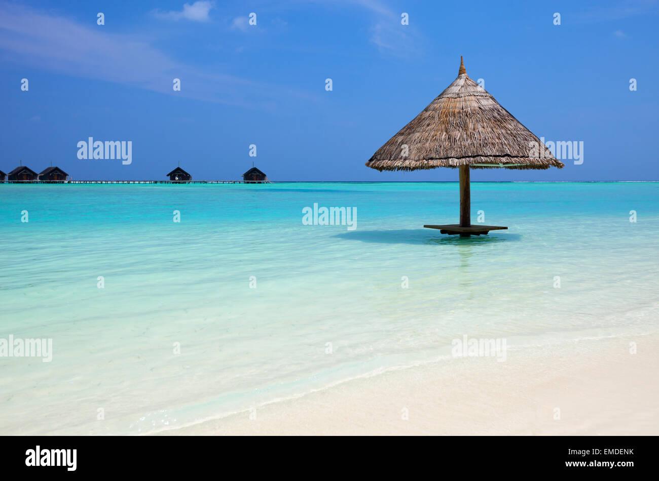 Wunderschönen tropischen Strand auf den Malediven Stockbild
