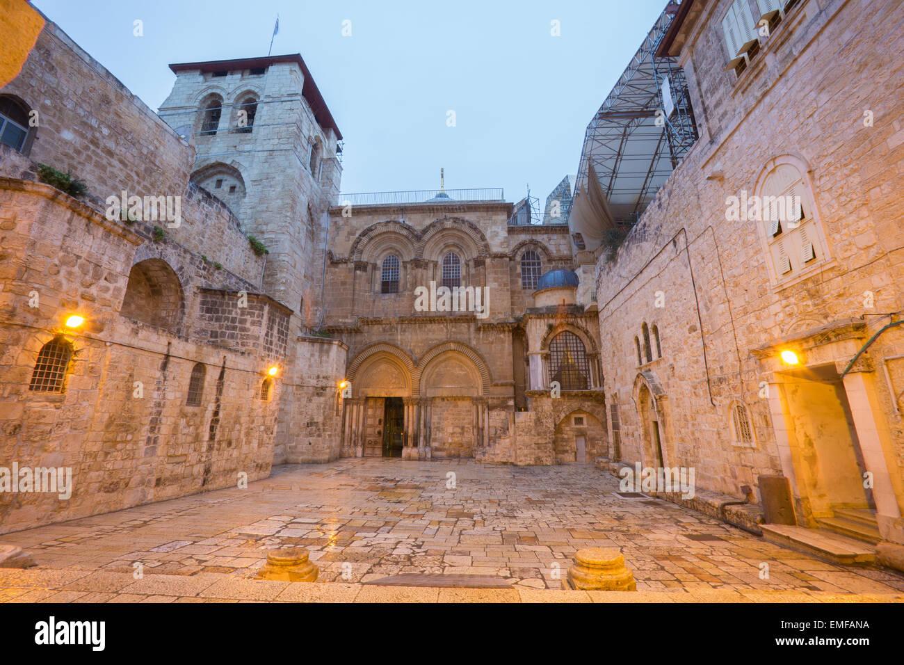 Jerusalem - die Grabeskirche in der Abenddämmerung Stockbild