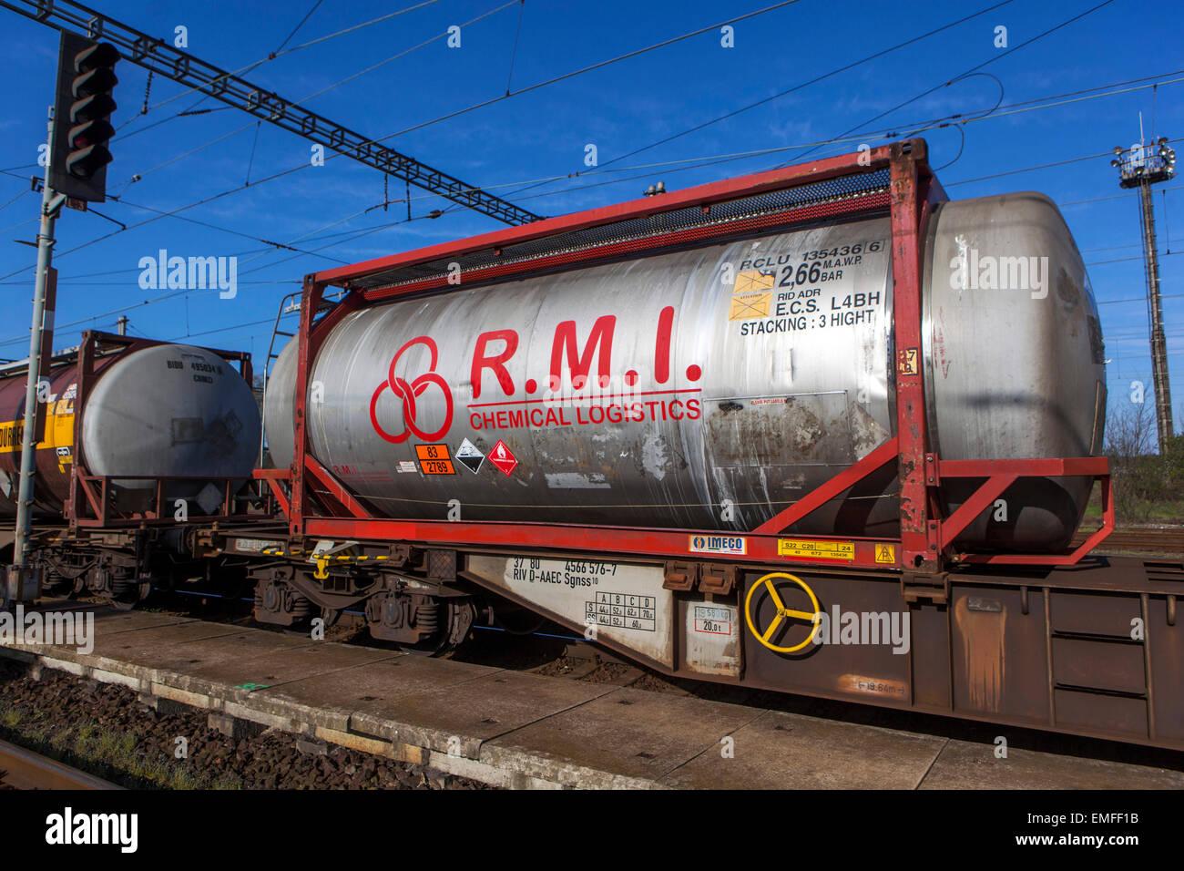 Transport von Chemikalien mit der Bahn Container Stockbild