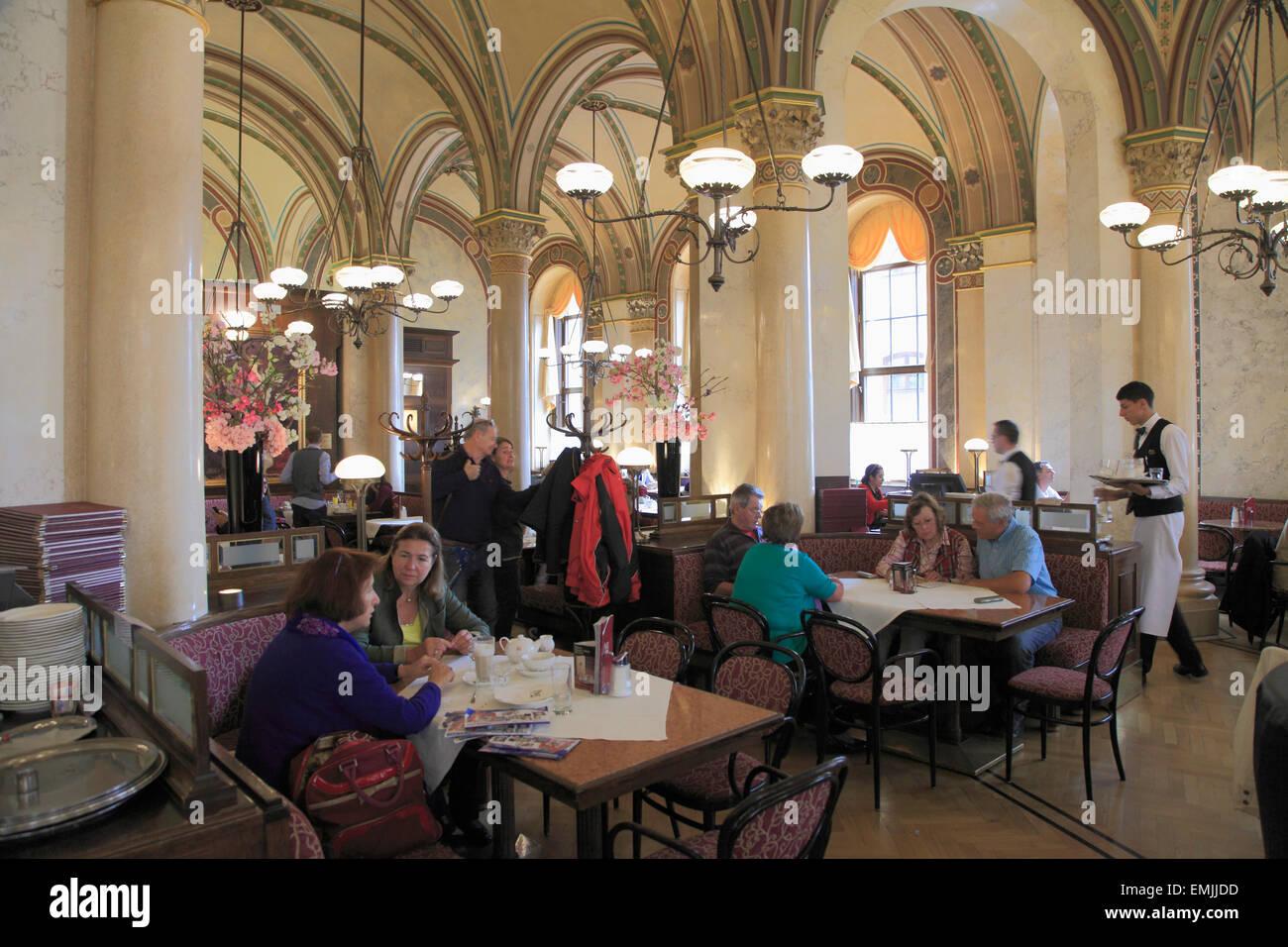 Österreich, Wien, Cafe Central, Interieur, Menschen Stockfoto, Bild ...
