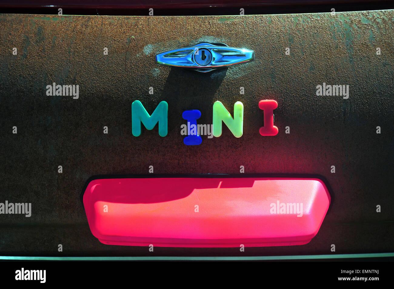 Mini Kühlschrank Für Boot : Mini boot stockfotos mini boot bilder alamy