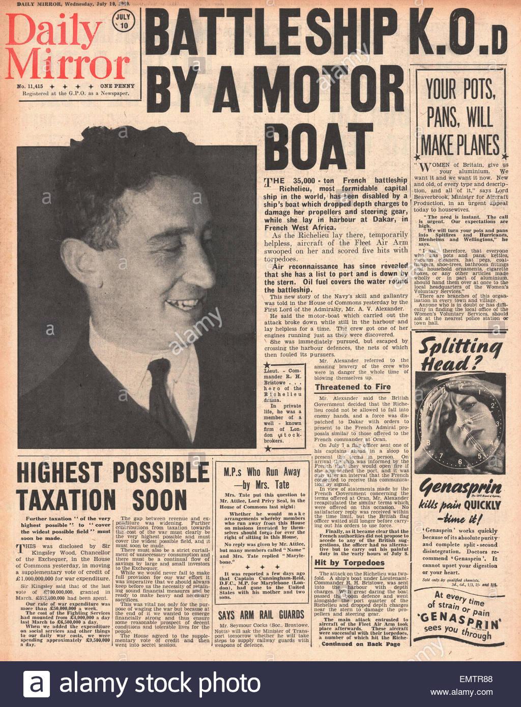 Titelseite 1940 Daily Mirror Französisch Schlachtschiff Richelieu im Hafen von Dakar durch die Fleet Air Arm Stockbild