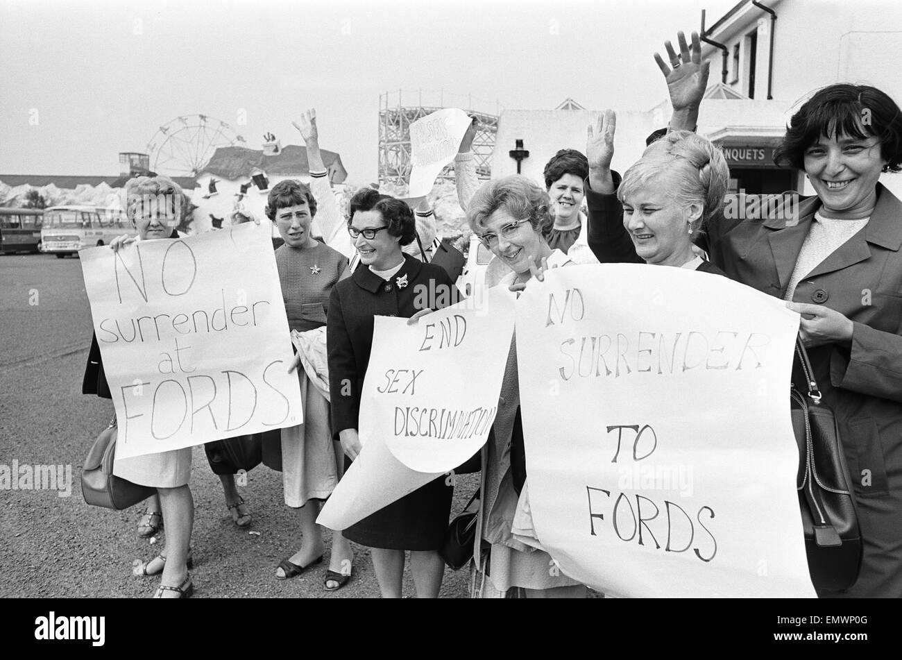 Zahlen Frauen nahm Nähen Maschinisten bei der Ford Motor Company ...