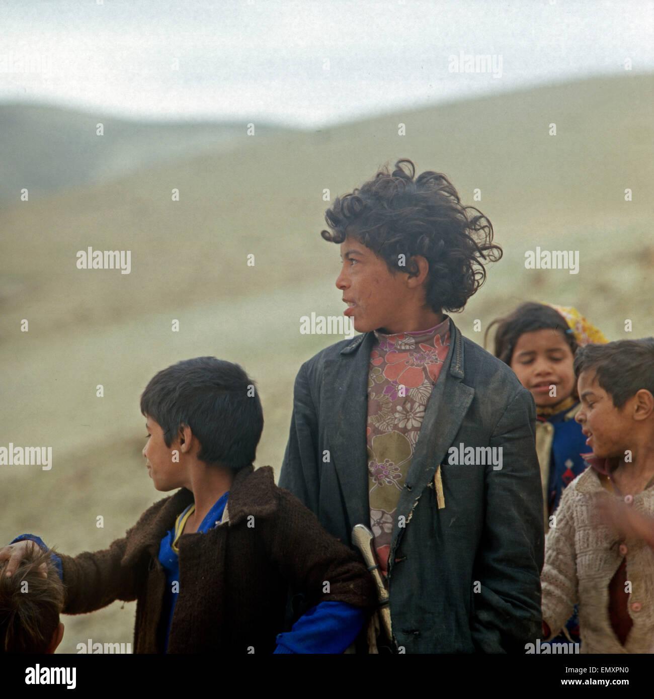 Kinder Einer Großfamilie in Einem Bediunenzeltlager, Israel Ende 1970er Jahre. Kinder einer großen Familie Stockbild