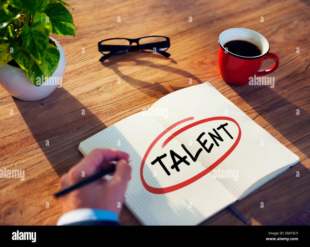 """Schreiben des Wortes """"Talent"""" Geschäftsmann Stockbild"""
