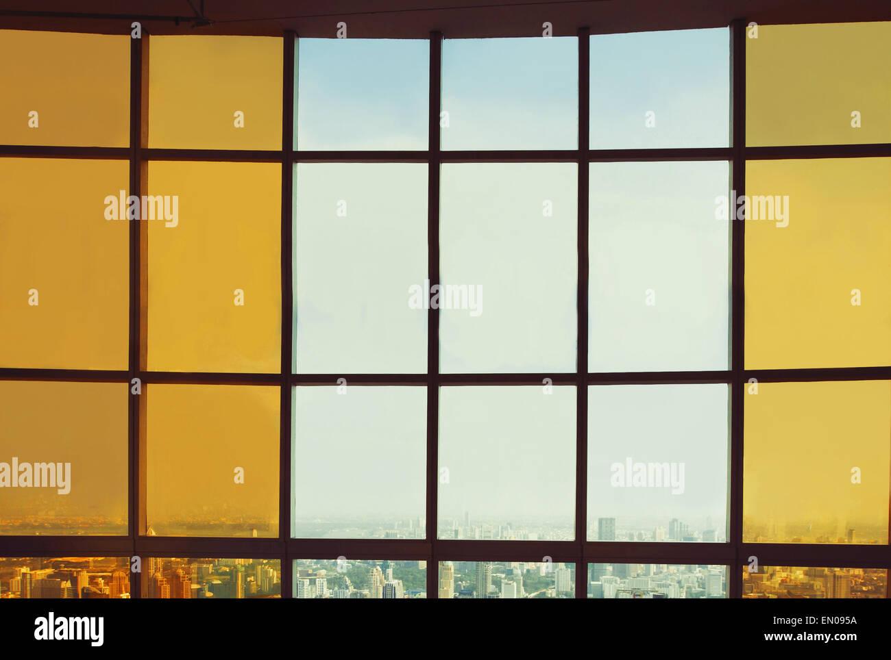 abstrakt Business Innenraum, Blick auf die Skyline der modernen Stadt Stockfoto