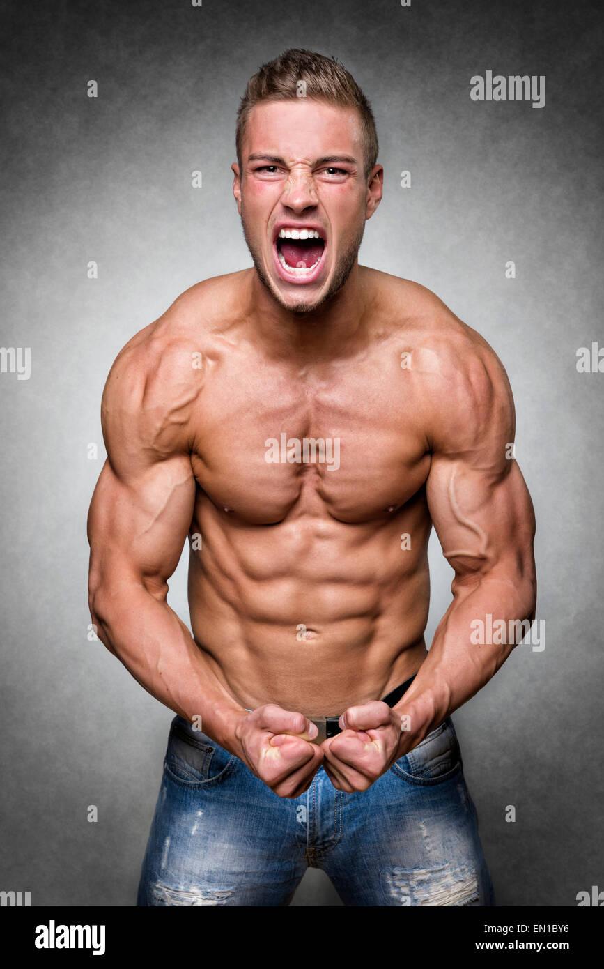 Mann trainierter körper Athletischer mann