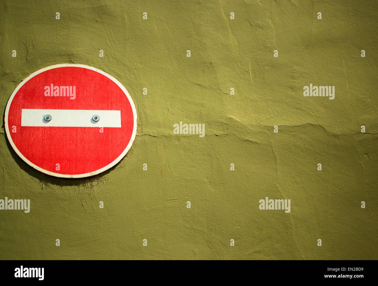Gut Kein Eintrag Zeichen Angebracht Bis Gelb Braun Gestrichenen Wand