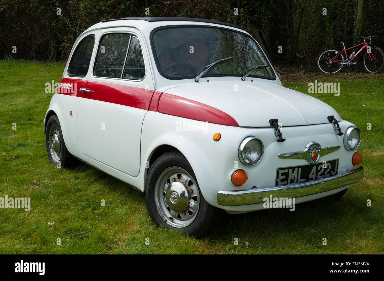 oldtimer fiat 500 stockfotos oldtimer fiat 500 bilder alamy. Black Bedroom Furniture Sets. Home Design Ideas