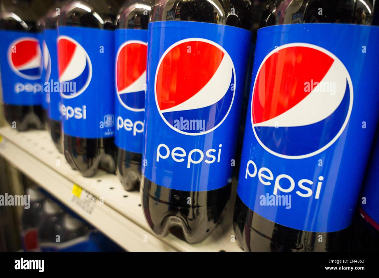 Kleiner Pepsi Kühlschrank : Pepsi cola store stockfotos pepsi cola store bilder alamy