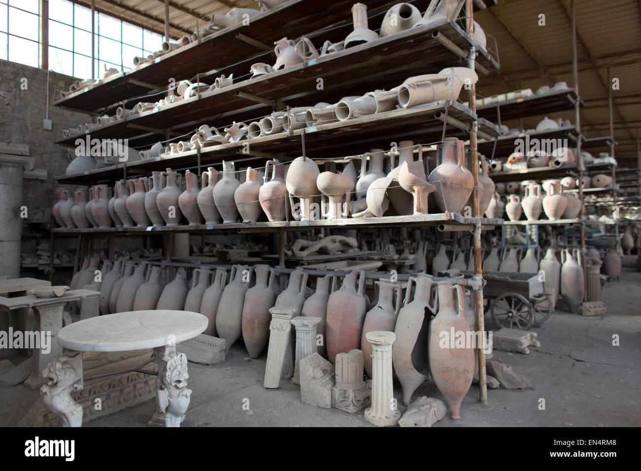 Vor fast 2.000 Jahren wurde die Stadt Pompeji von einem Ausbruch des Vesuv zerstört. 20.000 Einwohner von Pompeji Stockbild