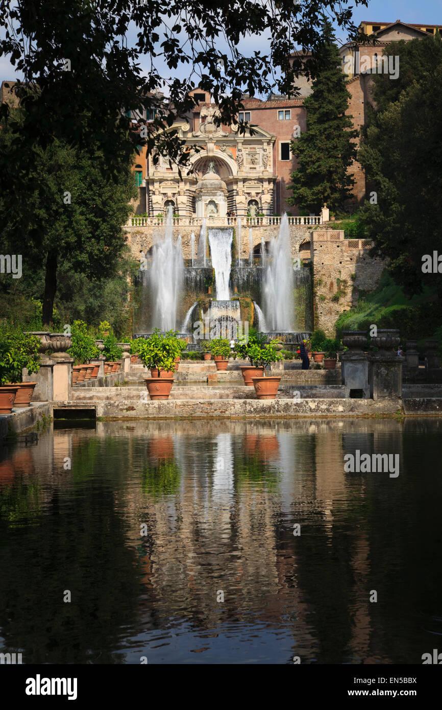 Fischteiche und der Neptun-Brunnen und Orgel in Villa d ' Este Tivoli Italien Stockfoto
