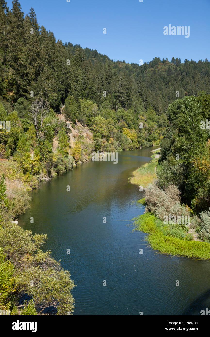 Russian River in der Nähe von Guernville in Nord-Kalifornien. Stockbild