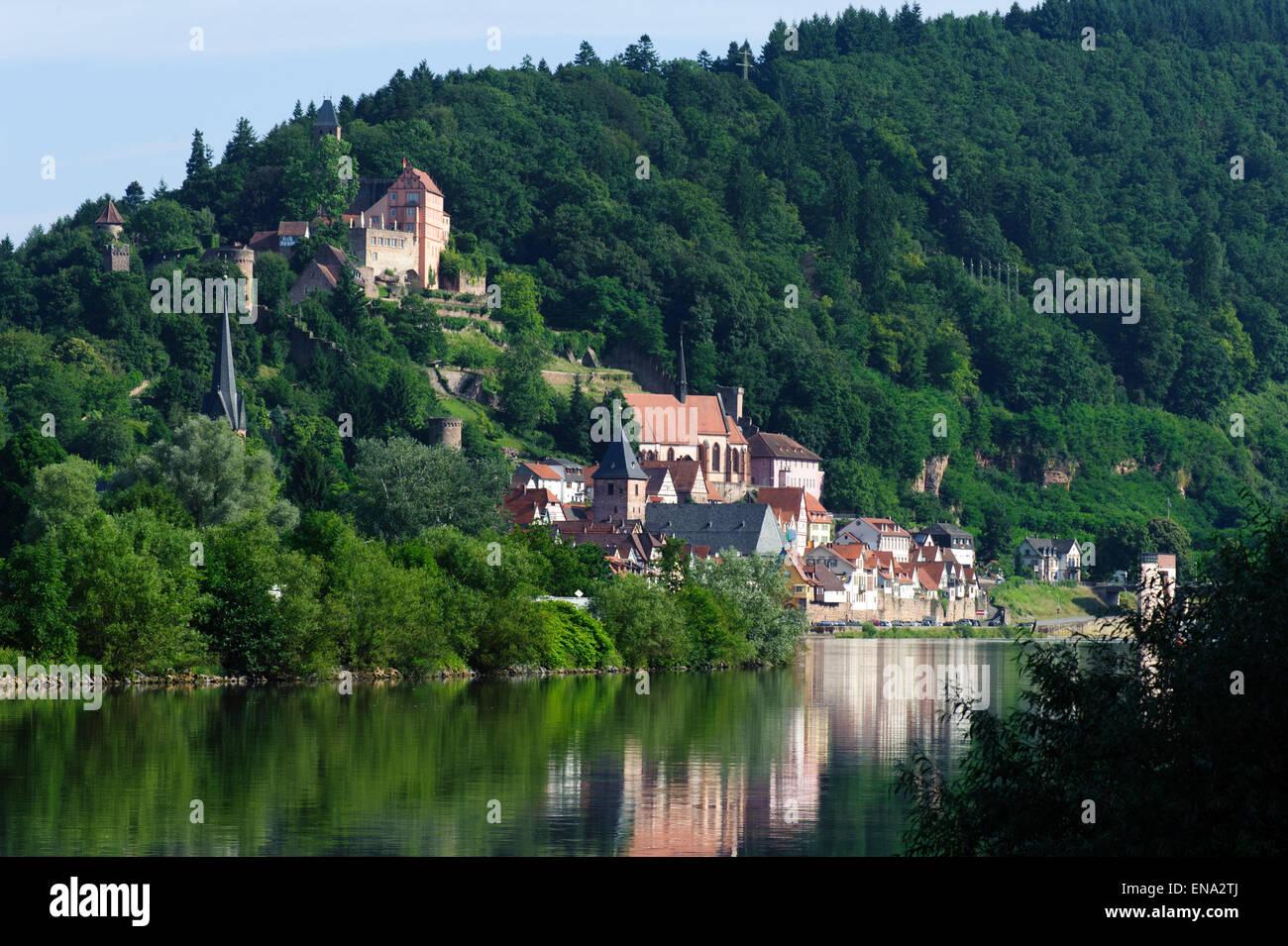 Altstadt Und Schloss, Hirschhorn, Neckar, Hessen, Deutschland | Altstadt und Burg, Hirschhorn, Neckar, Hessen, Deutschland Stockbild