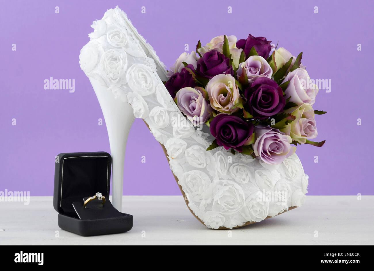 Hochzeit Theme Weiss Floral Brautschuhe Mit Blumen Auf Shabby Chic