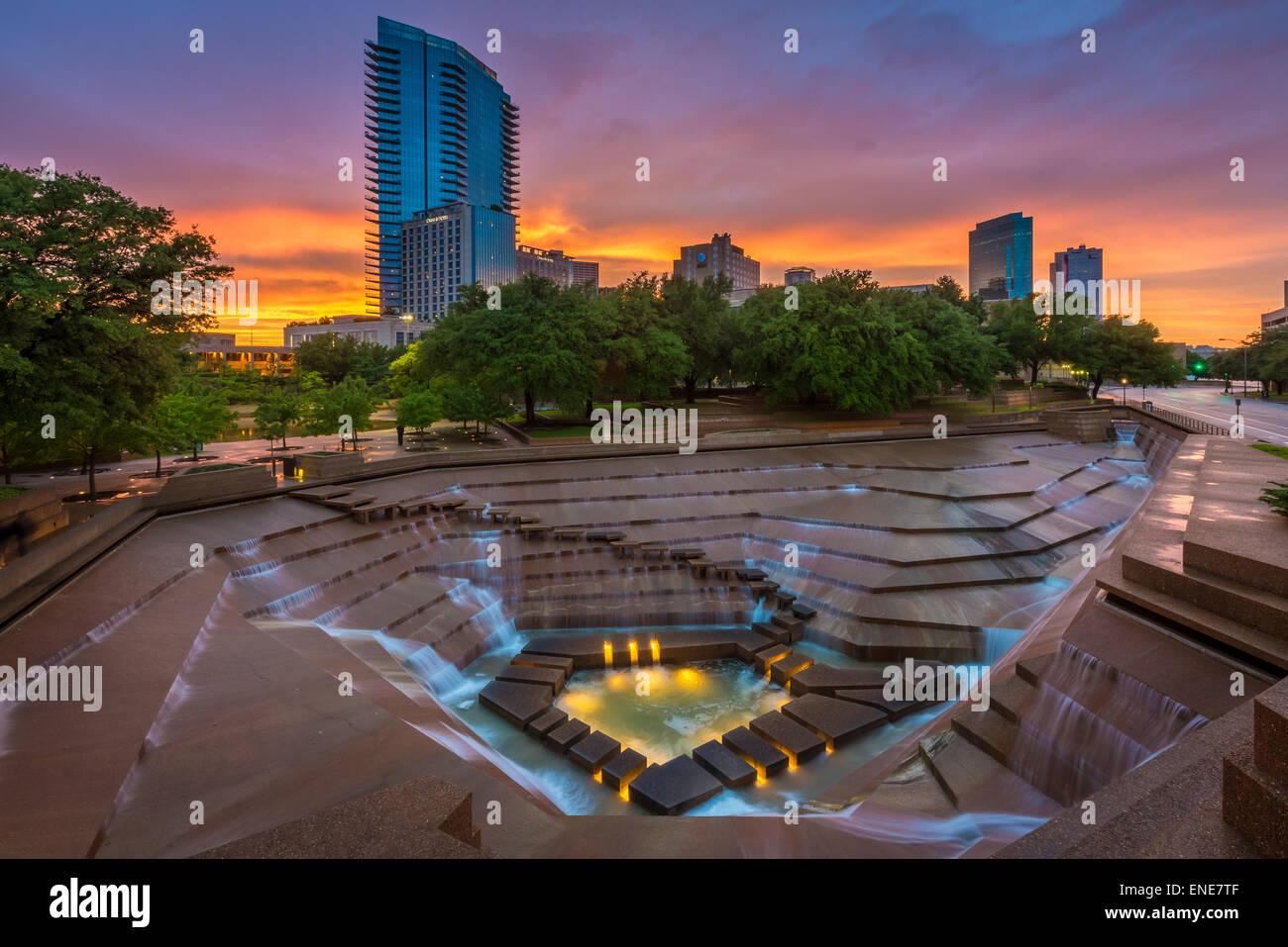 Fort Worth Wassergärten, Baujahr 1974, befindet sich am südlichen Ende der Innenstadt von Fort Worth, Stockbild