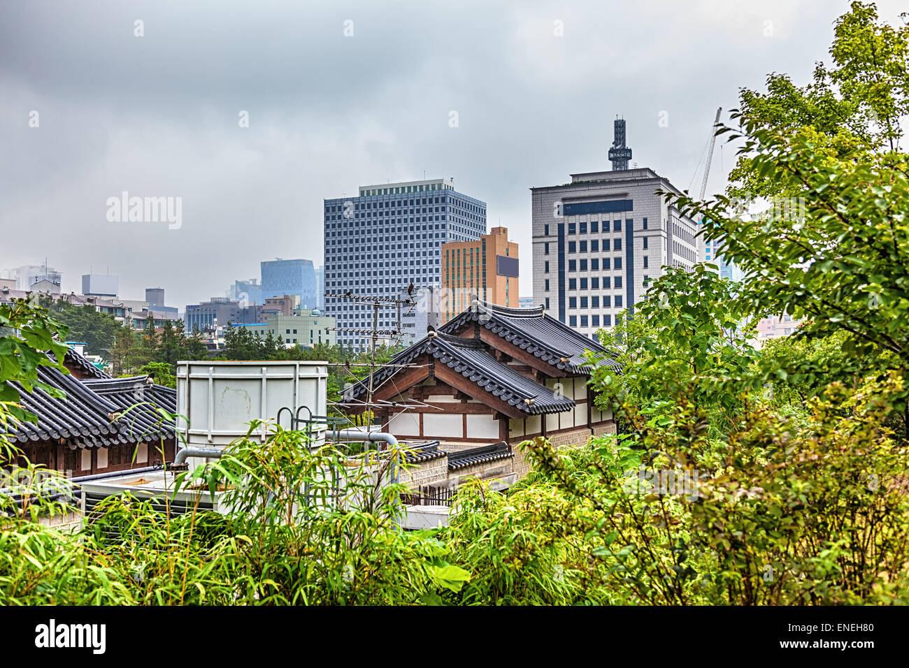 Traditionelle alte und moderne koreanische Häuser Stadtbild im ...