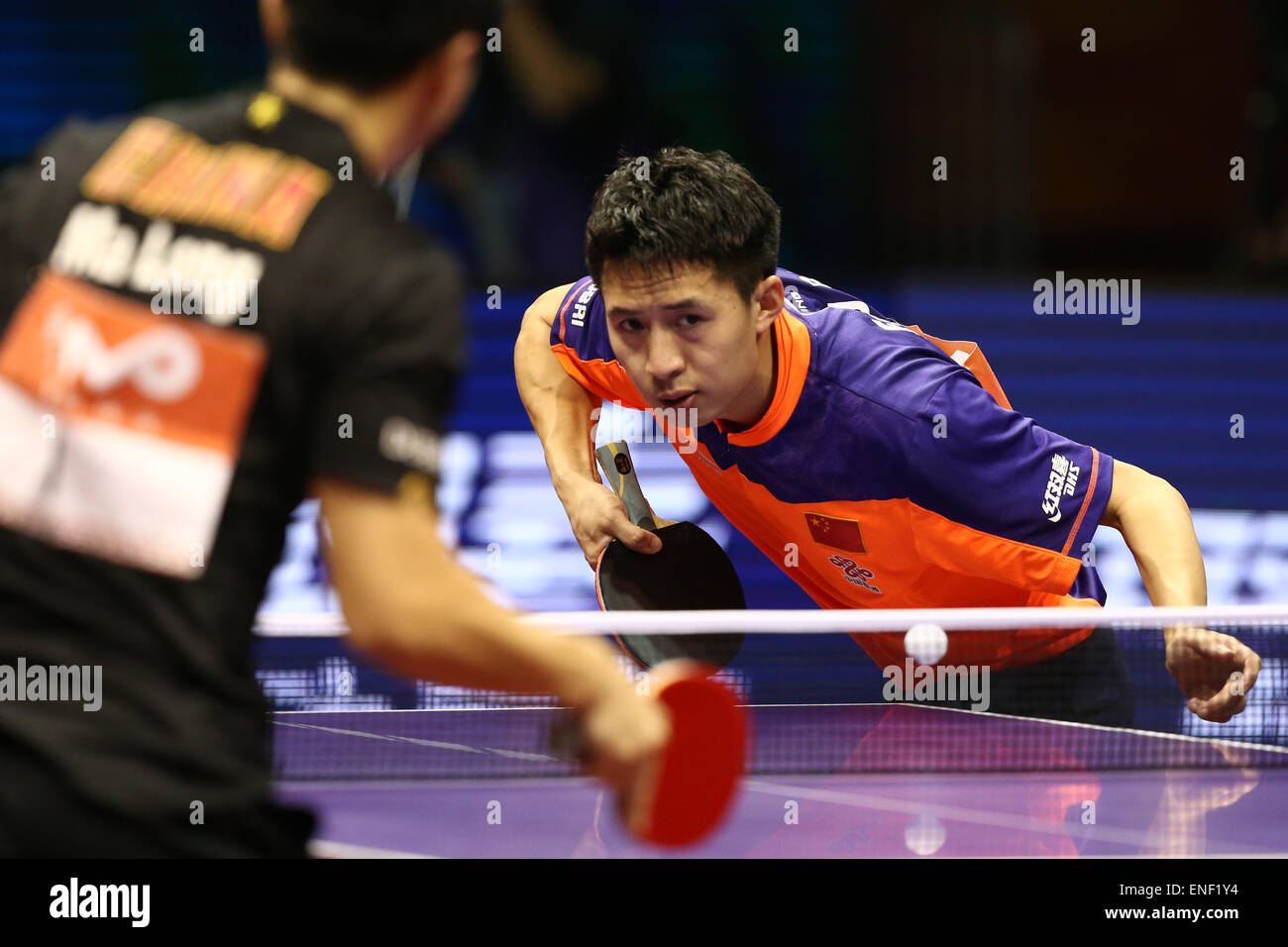 Suzhou International Expo Centre, Suzhou, China. 3. Mai 2015. Fang Bo (CHN), 3. Mai 2015 - Tischtennis: 2015 match Stockbild