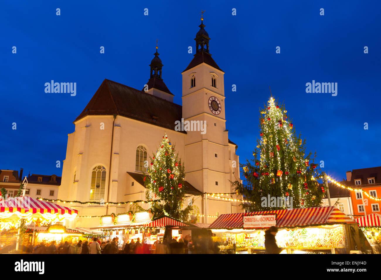 Weihnachtsmarkt Regensburg Neupfarrplatz