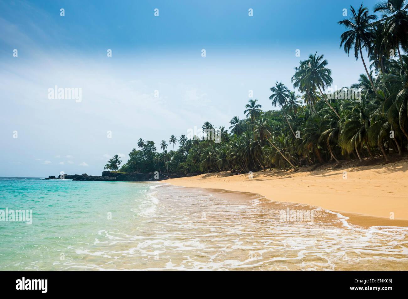 Abgelegenen tropischen Strand am UNESCO-Biosphärenreservat, Principe, Sao Tome und Principe, Atlantik, Afrika Stockbild