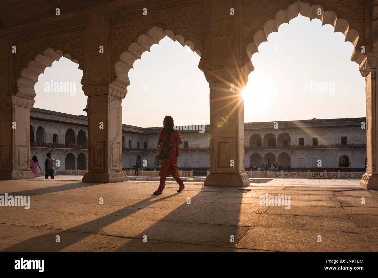 Agra Fort bei Sonnenuntergang, UNESCO-Weltkulturerbe, Agra, Uttar Pradesh, Indien, Asien Stockbild