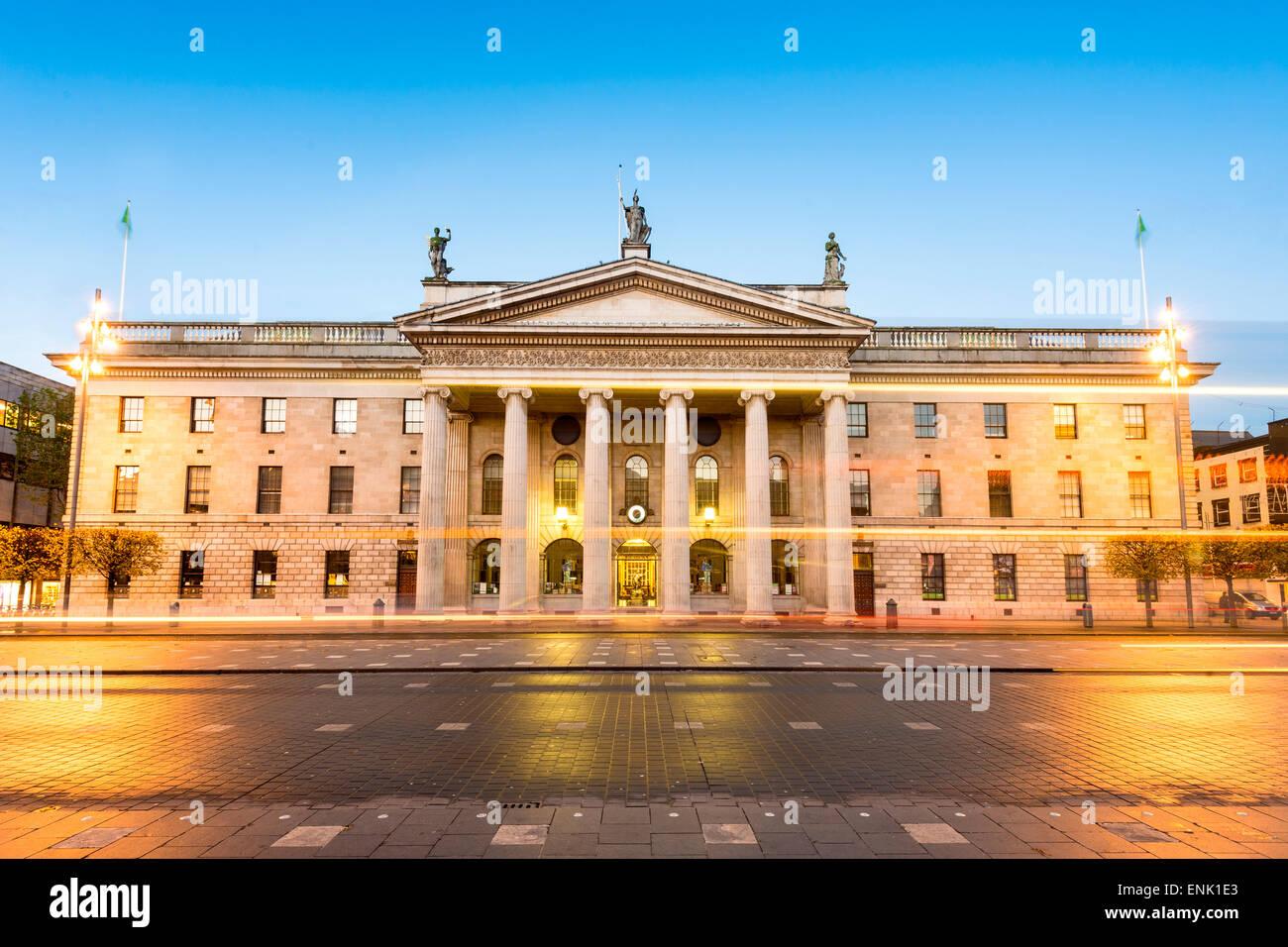 Allgemeine Postgebäude in der Abenddämmerung, Dublin, County Dublin, Republik Irland, Europa Stockbild