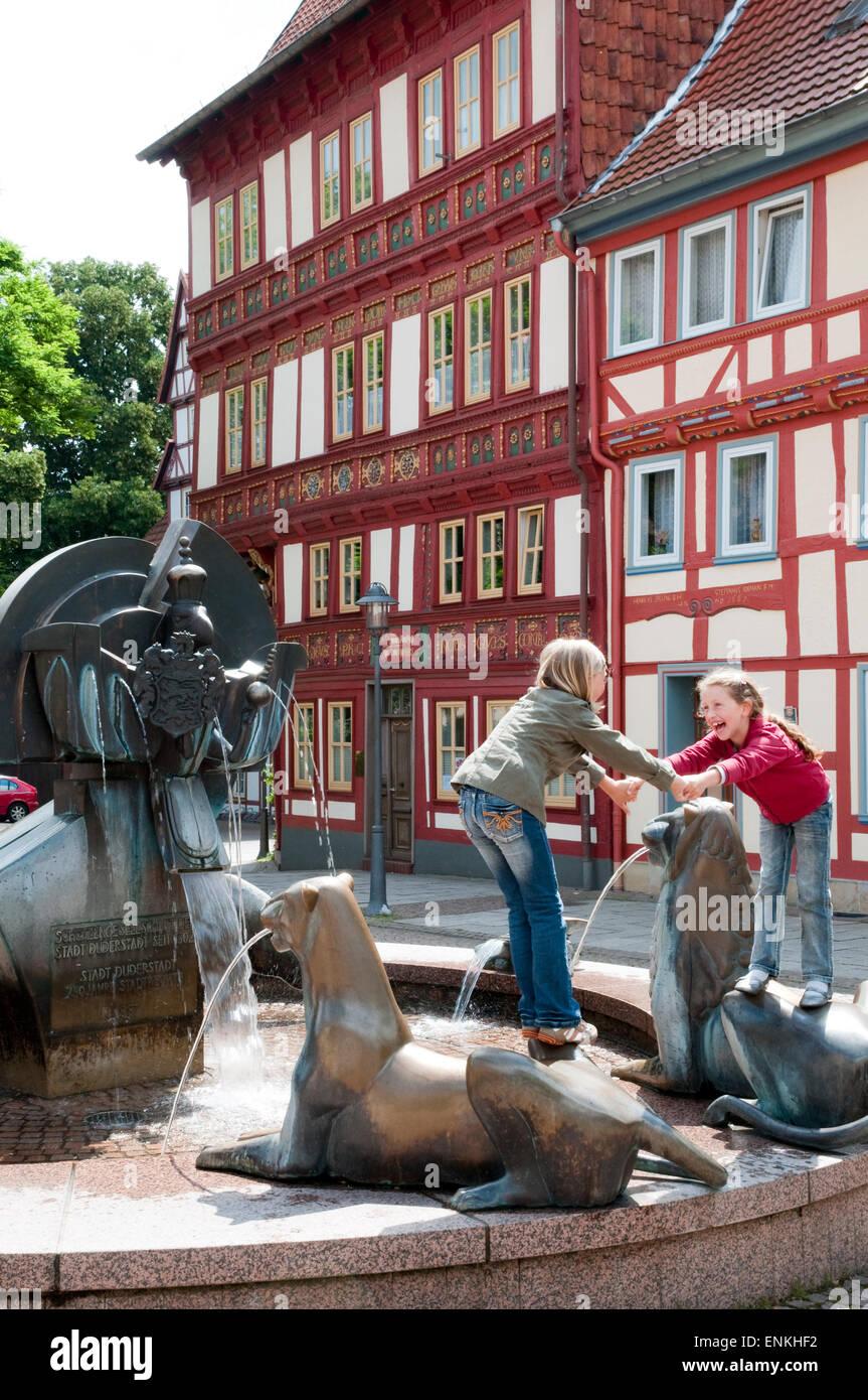 Schuetzenbrunnen, Duderstadt, Niedersachsen, Deutschland |  Brunnen, Duderstadt, Niedersachsen, Deutschland Stockbild