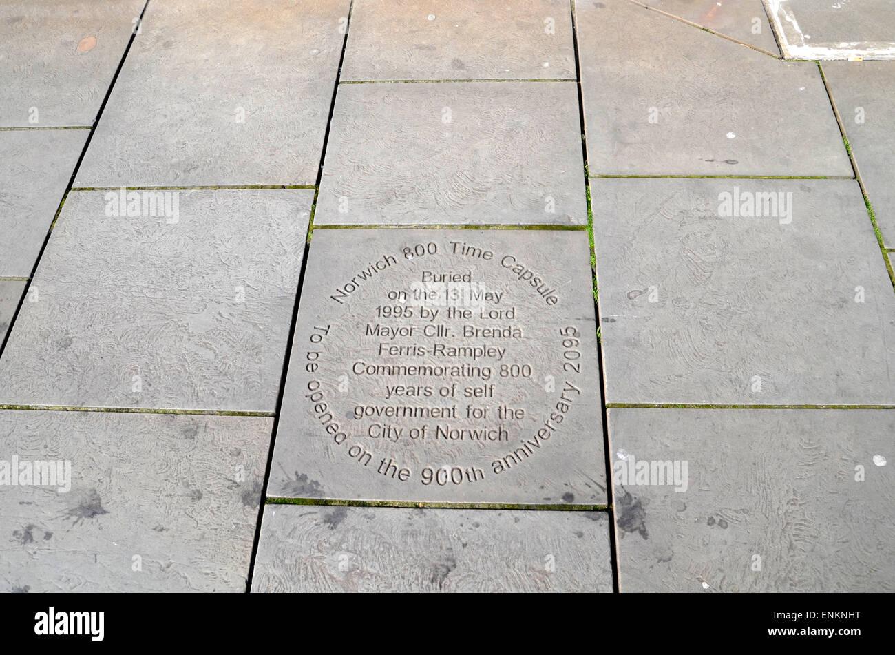 Gedenktafel für 800 Jahre der Selbstverwaltung, Norwich April 2015 Stockbild