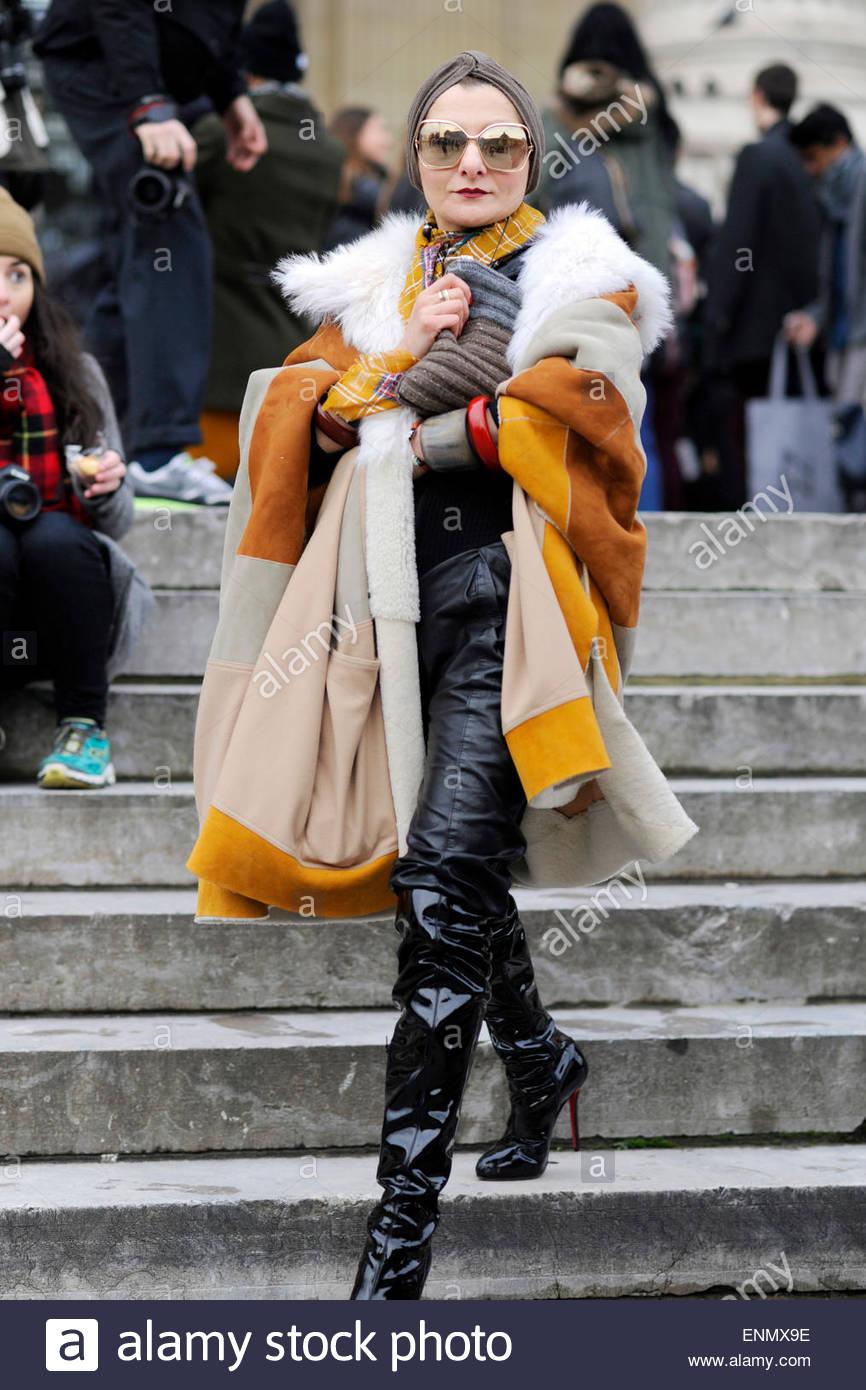 Catherine Baba bei PFW, FW15, Street-Style Mode, Paris Fashionweek, Mode-Moda. Stockbild