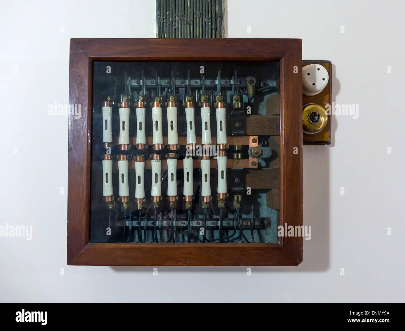 Wunderbar Elektrische Verdrahtungszeichnung Für Haus Galerie - Der ...