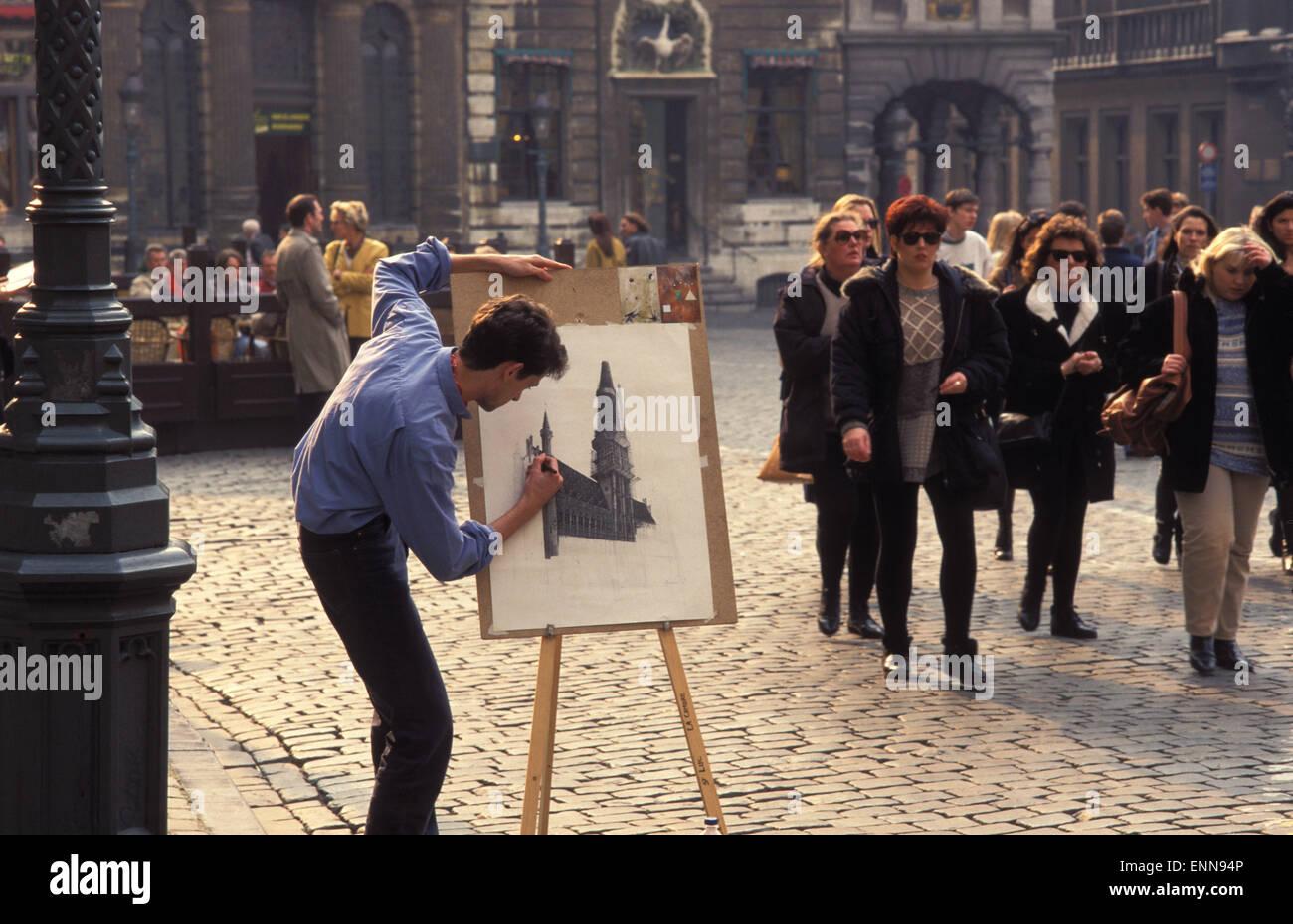 BEL, Belgien, Brüssel, Grafiker am Grand Place.  BEL, Belgien, Bruessel, Zeichner Auf Dem Grand Place. Stockbild