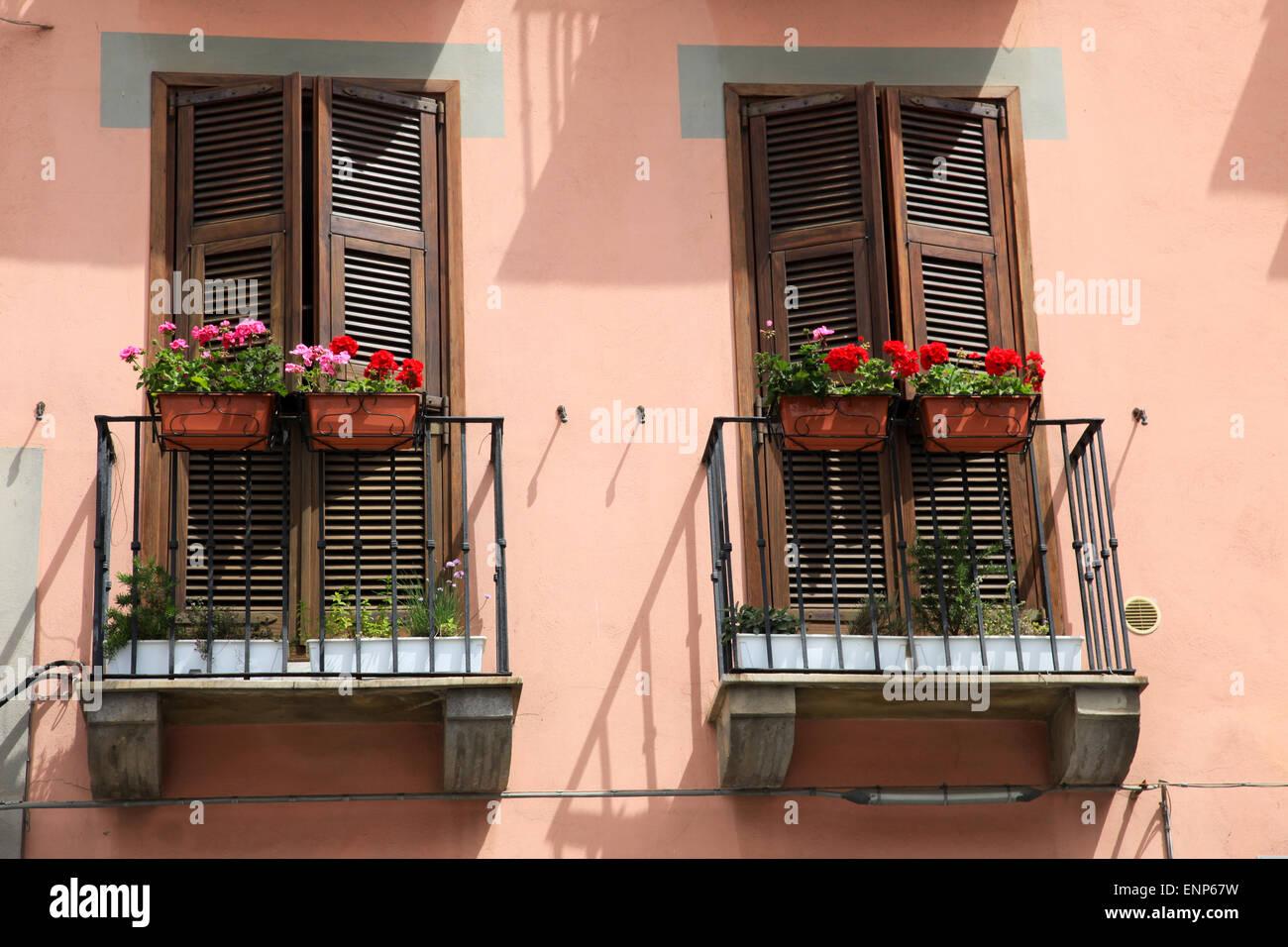 blumenk sten und mediterrane balkone stockfoto bild 82237117 alamy. Black Bedroom Furniture Sets. Home Design Ideas