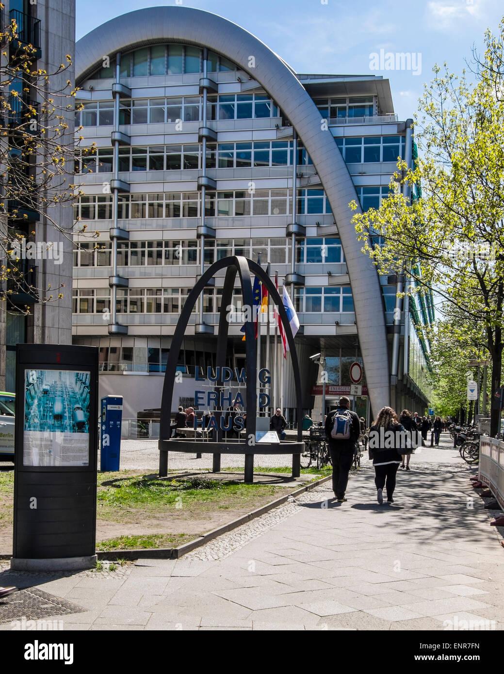 Ludwig Erhard Haus Äußere des legendären moderne Gebäude vom ...