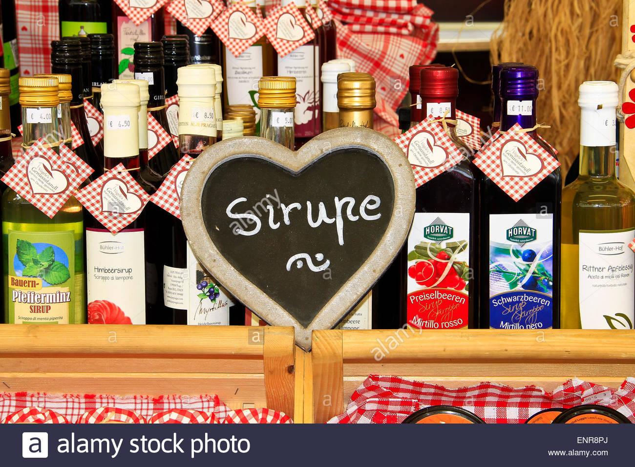Flaschen-Sirupe, hübsche Etiketten, deutsche Getränke, Bozen, Bozen ...