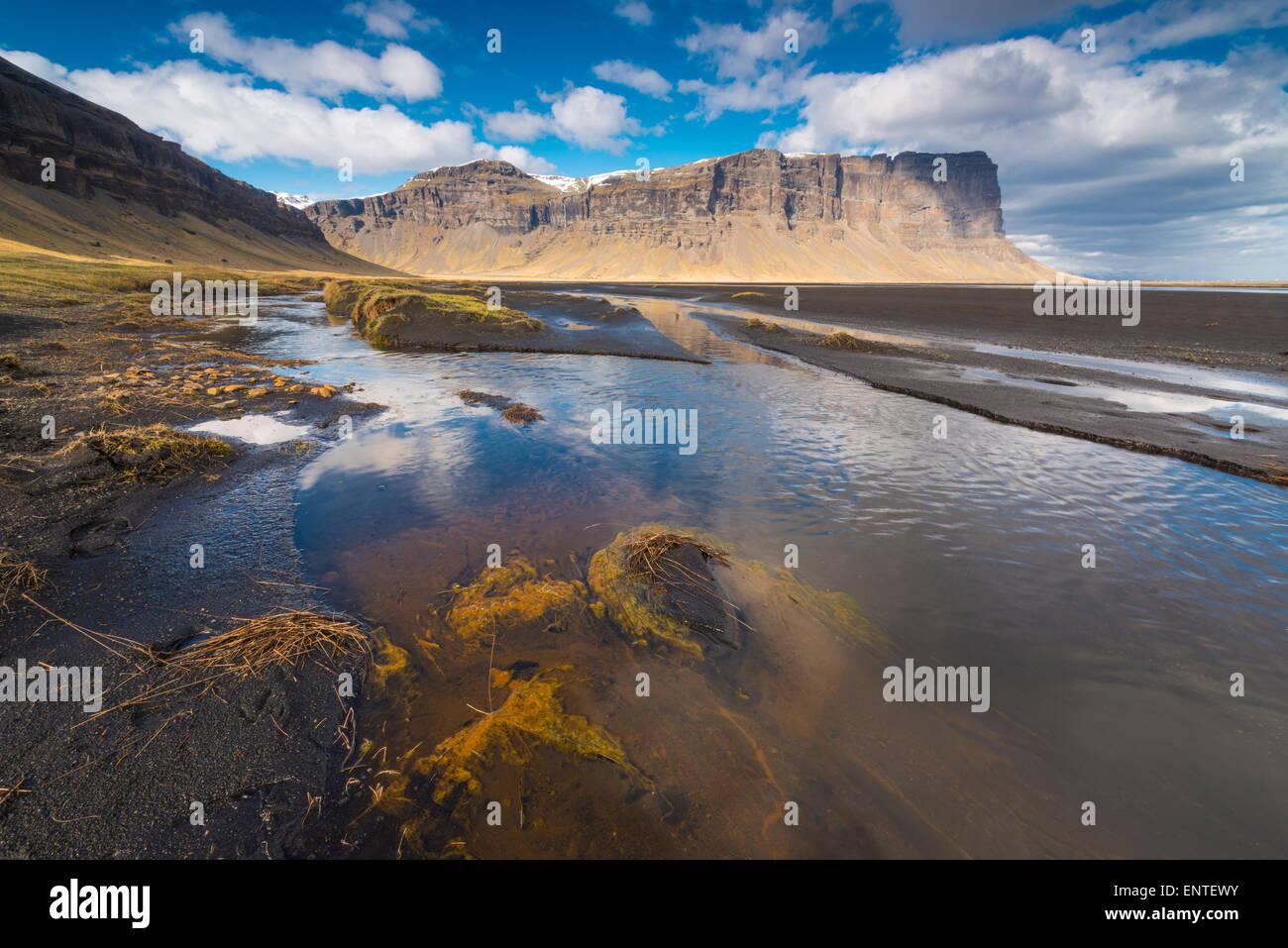 Island, Landschaft - Lomagnupur Klippen in der Nähe von Nupsstadur auf der Skeidararsandur Ebene Stockbild