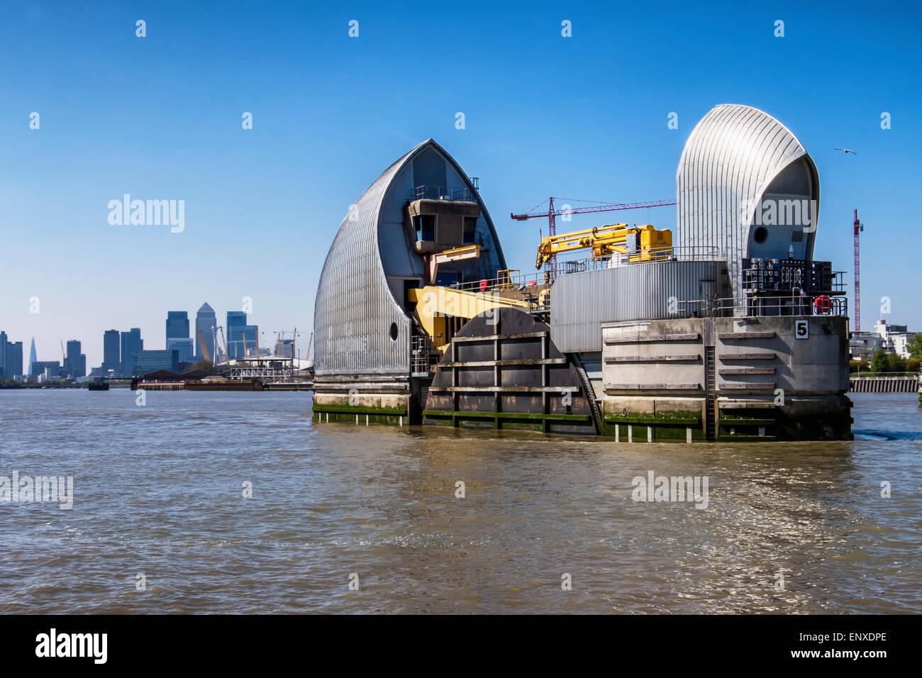 Einzigen Fluss Thames Barrier Hochwasserabwehr schützt die Hauptstadt vor Überschwemmungen durch Hochwasser Stockbild