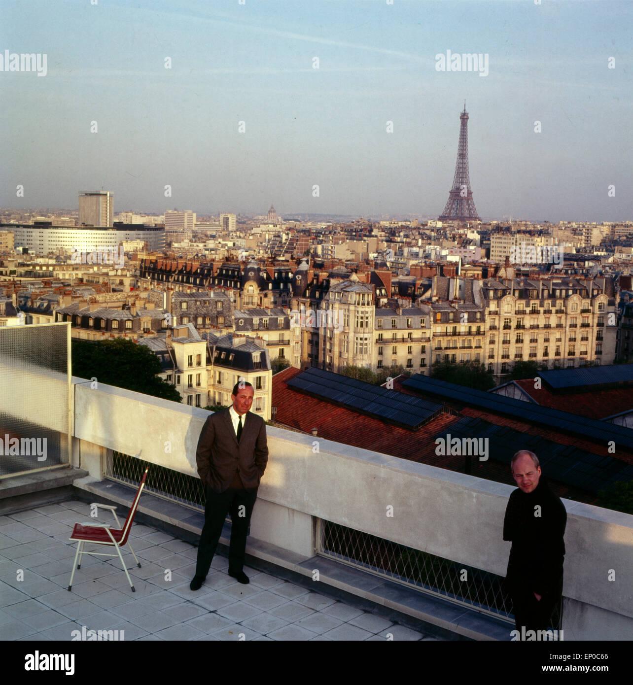 Der Deutsch französischen Journalist Und Publizist Peter Scholl-Latour Über Den Dächern von Paris, Stockbild