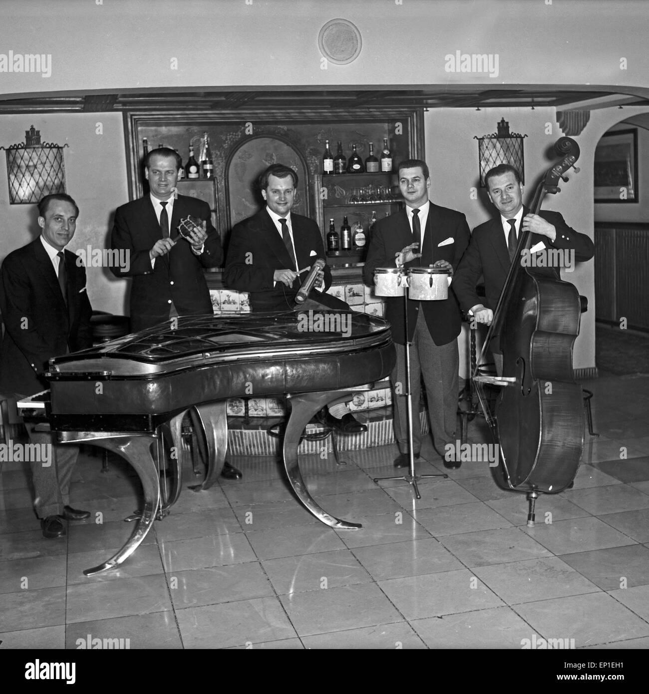 Das Quintett in Einer Kellerbar in Hamburg, Deutschland, 1950er ...