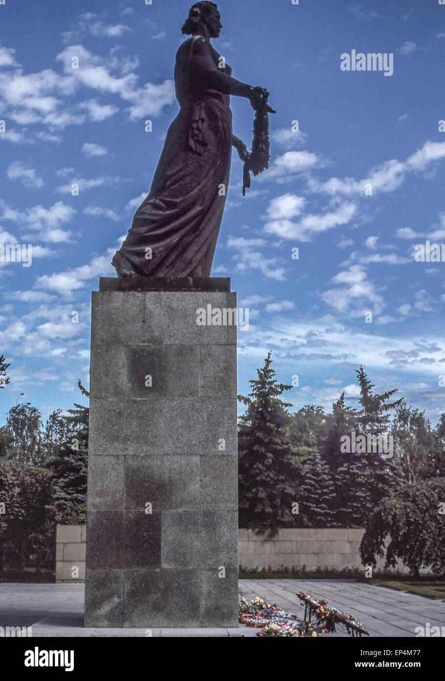 Groß El Draht Statuen Zeitgenössisch - Schaltplan Serie Circuit ...