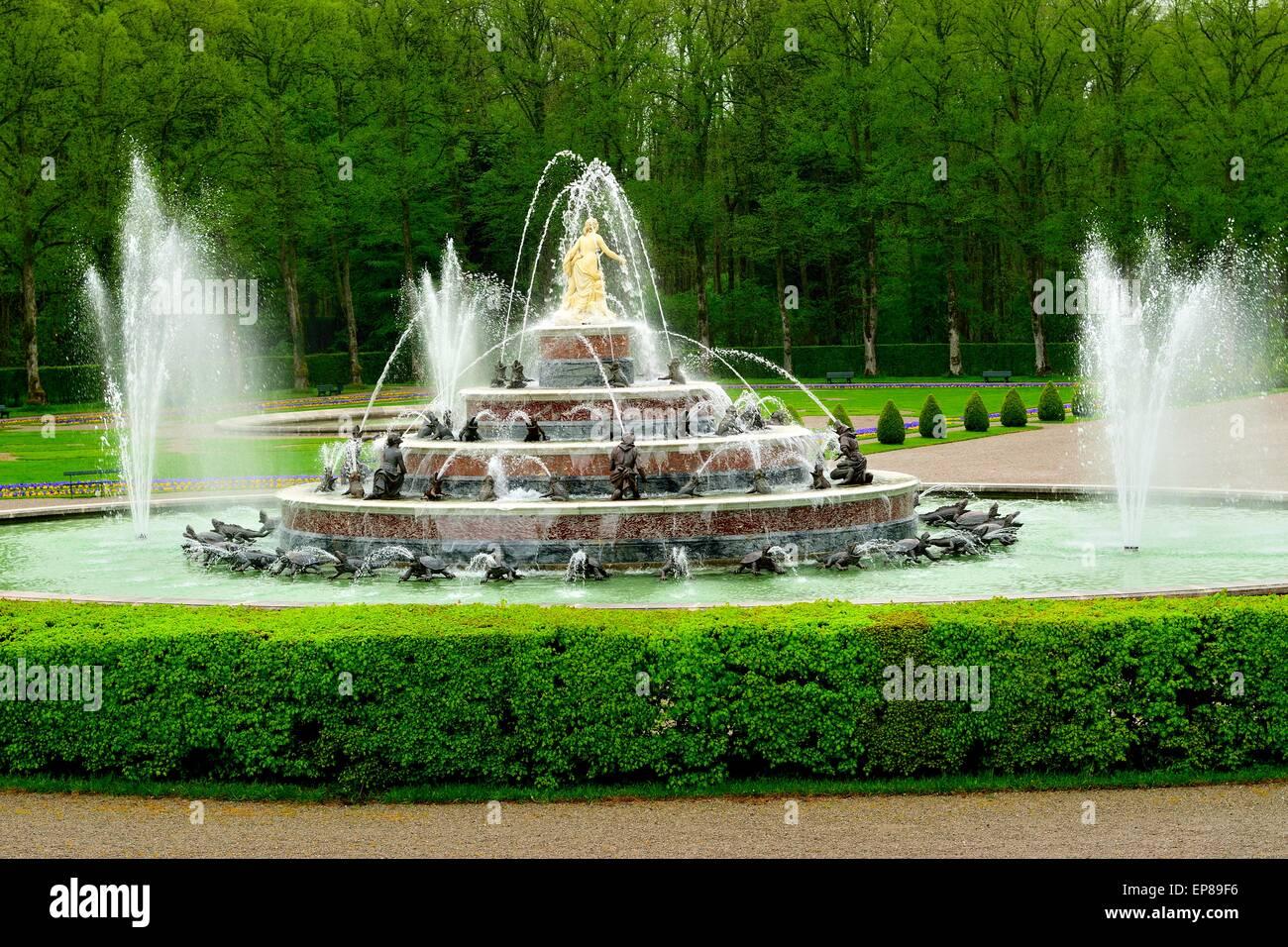 Erstaunliche Brunnen in den Gärten von Schloss Herrenchiemsee Stockbild